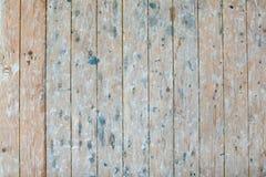葡萄酒木架子在老谷仓2/2 库存图片