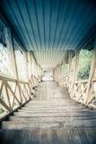 葡萄酒木楼梯 库存照片