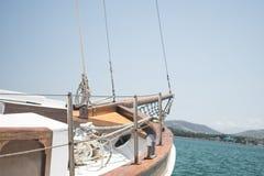 葡萄酒木风船,被停泊的小船 库存图片