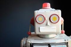 葡萄酒机械机器人玩具 免版税库存图片