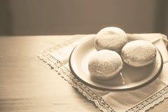 葡萄酒样式光明节庆祝在c的概念图象油炸圈饼 免版税图库摄影