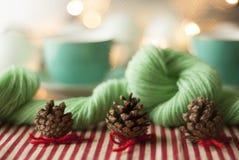 葡萄酒样式圣诞节装饰 免版税库存图片