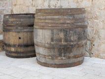 葡萄酒桶在杜布罗夫尼克奥尔德敦 免版税库存照片