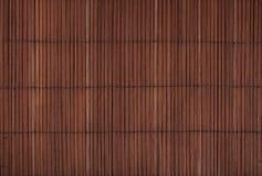 葡萄酒棕色竹木席子背景纹理 免版税库存照片