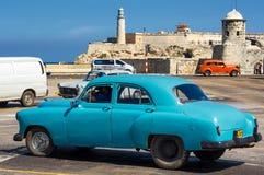 葡萄酒汽车在哈瓦那 免版税库存照片