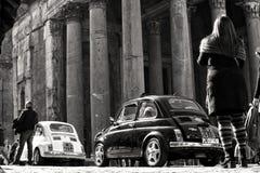 葡萄酒汽车在罗马 库存照片