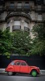 葡萄酒汽车在巴黎 免版税图库摄影