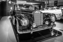 葡萄酒汽车奔驰车300 Sc小轿车(W188 II), 1956年 免版税库存照片