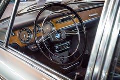 葡萄酒汽车BMW 2000新的Class客舱, 1967年 免版税库存图片