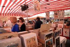 葡萄酒海报市场在尼斯,法国 免版税库存图片