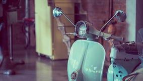 葡萄酒滑行车摩托车可收回的显示 库存照片