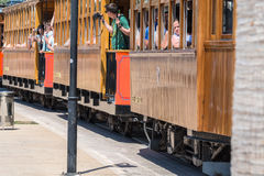 葡萄酒火车,电车在Port de索勒,马略卡 免版税库存照片