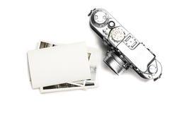 葡萄酒照相机和老照片 在视图之上 免版税图库摄影