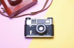 葡萄酒照相机,概念行家 免版税库存图片