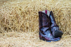 葡萄酒牛仔靴 免版税库存照片