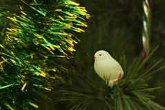 葡萄酒玻璃圣诞树玩具:鸡 免版税图库摄影
