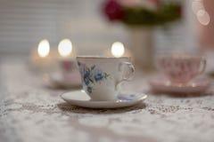 葡萄酒瓷茶杯 免版税图库摄影