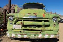 葡萄酒生锈的卡车 图库摄影