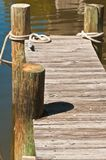 葡萄酒的顶视图,木小船码头 库存图片