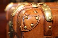 葡萄酒皮革手提箱 大和美妙的皮革箱子 旅行箱子 葡萄酒皮革手提箱 免版税库存照片