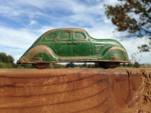 葡萄酒硬橡胶玩具轿车汽车, 20世纪30年代 库存图片