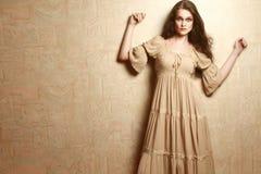 葡萄酒礼服减速火箭的衣裳样式的时尚妇女 库存图片