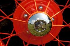 葡萄酒福特与轮幅的轮箍 库存照片