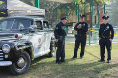 葡萄酒福特在显示的警车 库存照片
