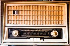 葡萄酒管收音机前面 库存照片