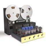 葡萄酒管放大器和卷轴录音机3d 库存图片