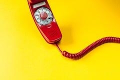 葡萄酒红色电话 图库摄影