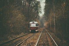 葡萄酒红色电车 免版税库存照片