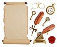 葡萄酒纸纸卷和古色古香的辅助部件 免版税库存图片