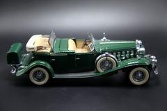 葡萄酒绿色跑车模型 库存图片