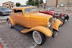葡萄酒美国旧车改装的高速马力汽车福特 免版税库存照片