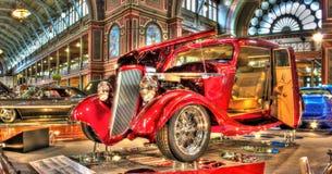 葡萄酒美国旧车改装的高速马力汽车 库存图片