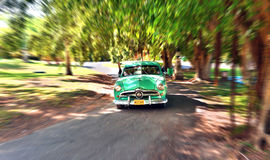 葡萄酒美国汽车在巴拉德罗角,古巴公园  免版税库存照片