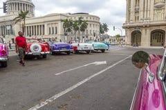 葡萄酒美国汽车游览,哈瓦那,古巴 免版税库存照片