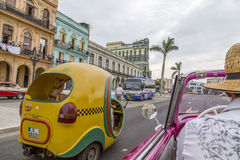 葡萄酒美国汽车游览,哈瓦那,古巴 库存图片