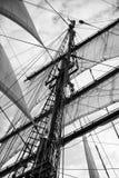 葡萄酒美好的帆船细节的样式图片 绳索,船身 免版税库存图片