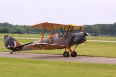葡萄酒老双翼飞机模型 图库摄影