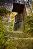葡萄酒老房子门 库存照片
