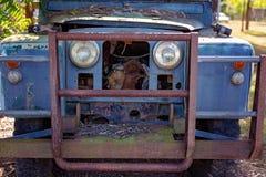葡萄酒老汽车外部难看的东西 库存图片