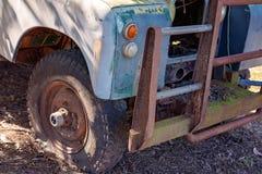 葡萄酒老汽车难看的东西外部 库存图片
