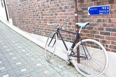 葡萄酒自行车在汉城 库存照片