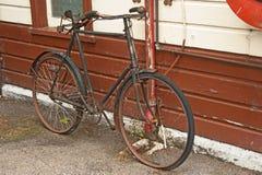 葡萄酒自行车腐朽 免版税库存图片