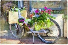 葡萄酒花卉自行车 库存图片