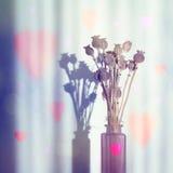 葡萄酒花束有心脏的静物画花瓶 库存照片