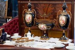 葡萄酒对象在古色古香的市场上 免版税图库摄影