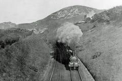1900年葡萄酒蒸汽火车在威尔士 库存图片